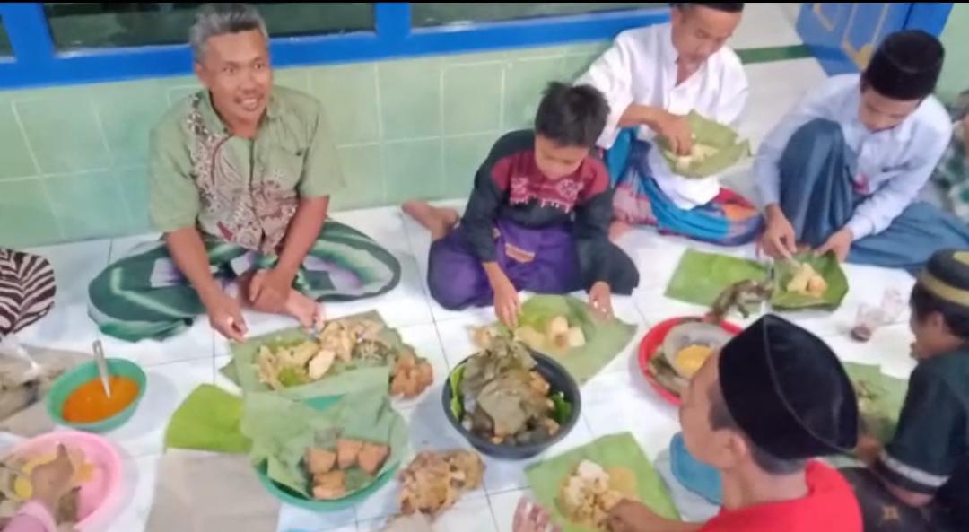 Serunya Lebaran Ketupat di Bangilan